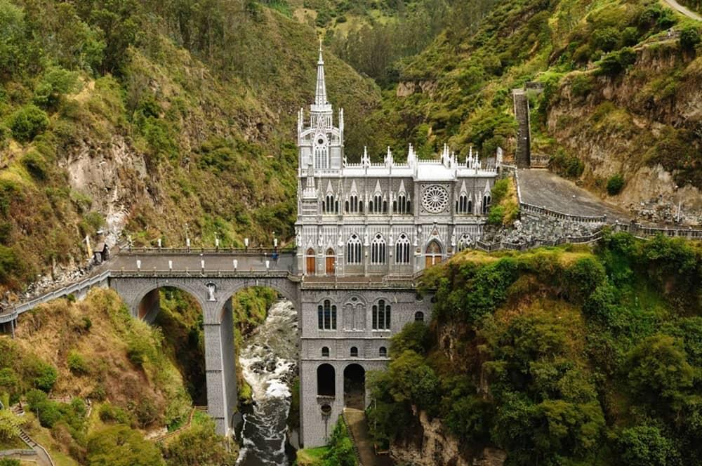 colombie-monument_armonie-voyages_poitiers